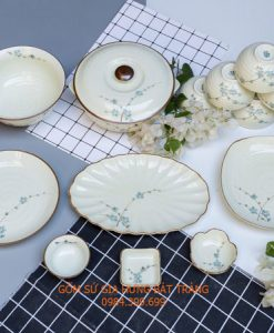 bộ đồ ăn vẽ hoa đào, bộ đồ ăn men kem vẽ sen xanh, bộ đồ ăn vẽ hoa đào đỏ, bát đĩa vẽ đào xanh, bát cơm vẽ sen, bộ sản phẩm vẽ đào xanh gốm bát tràng, bộ đồ ăn vẽ trúc, bát đĩa gốm bát tràng