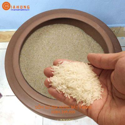 hũ đựng gạo, hũ sành đựng gạo, hũ gạo sành, hũ gạo gốm bát tràng, hũ gạo tài lộc, cách chọn hũ gạo, cách chọn hũ gạo sành,