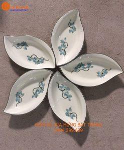 đĩa lá gốm bát tràng, đĩa lá gân vẽ sen, đĩa cánh hoa, đĩa lá men kem, bát đĩa gốm bát tràng, đĩa vẽ sen, bộ đĩa lá cánh tiên vẽ sen